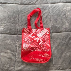 Lululemon snap bag